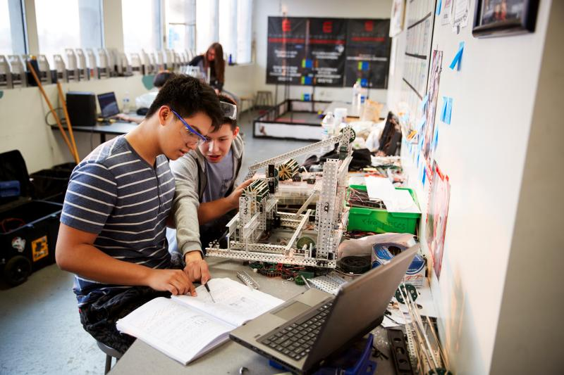 лаборатория по компютърни науки